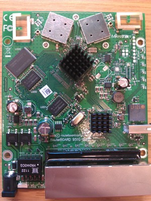 MikroTik RouterBOARD RB951G-2HnD AP 802.11n sa 5 x Gigabit LAN / WAN, VPN ruter